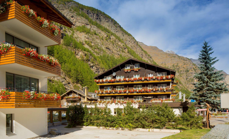 Typically Swiss Hotel Täscherhof 1