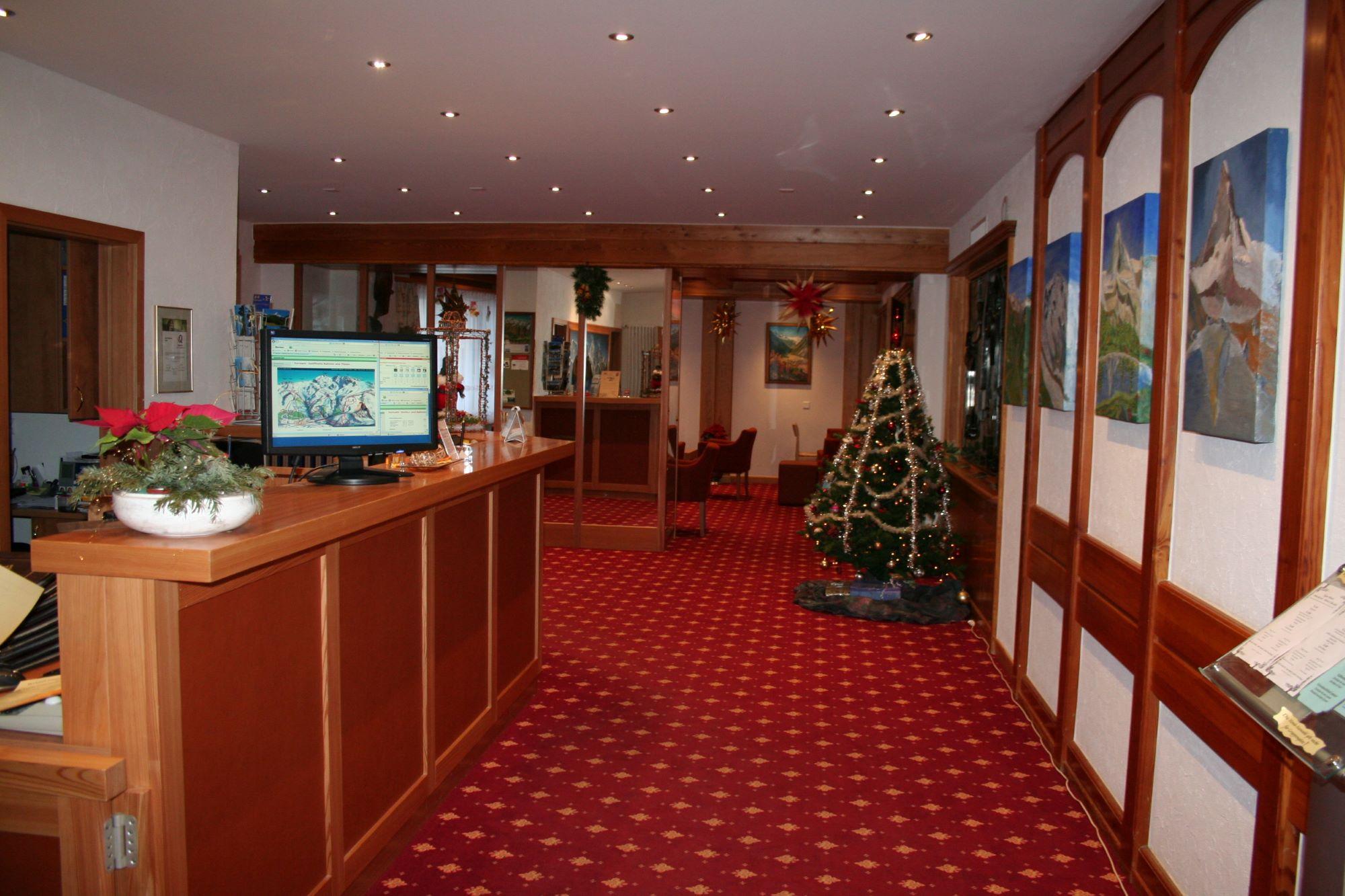 Typically Swiss Hotel Täscherhof 13