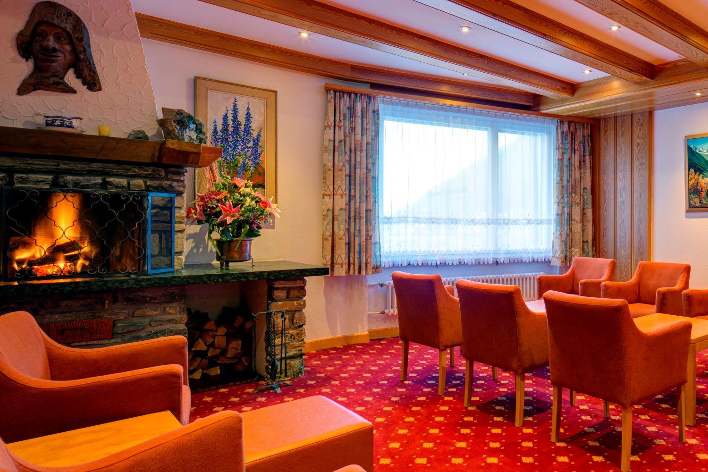 Typically Swiss Hotel Täscherhof 12