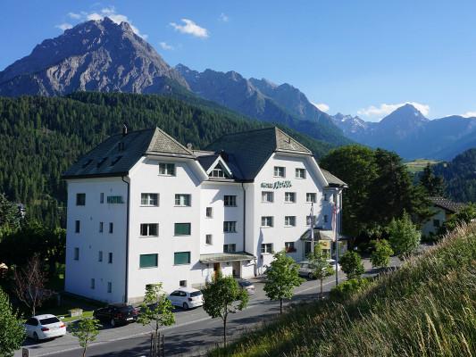 Typically Swiss Hotel Altana 3