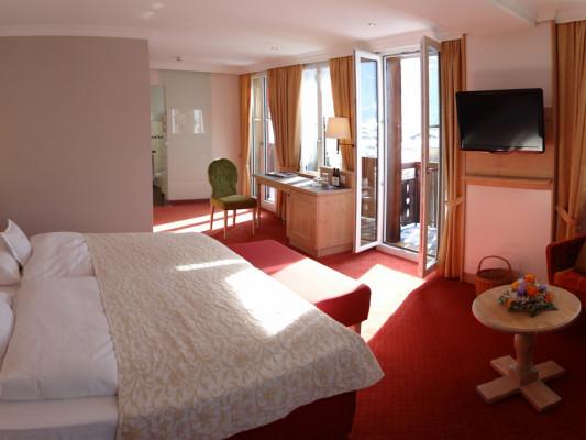 Romantik Hotel Schweizerhof / Swiss Alp Resort & SPA Junior Suite with mountain vue 0