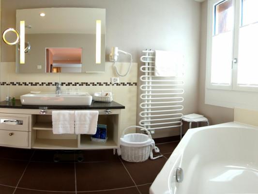 Romantik Hotel Schweizerhof / Swiss Alp Resort & SPA Junior Suite with mountain vue 1